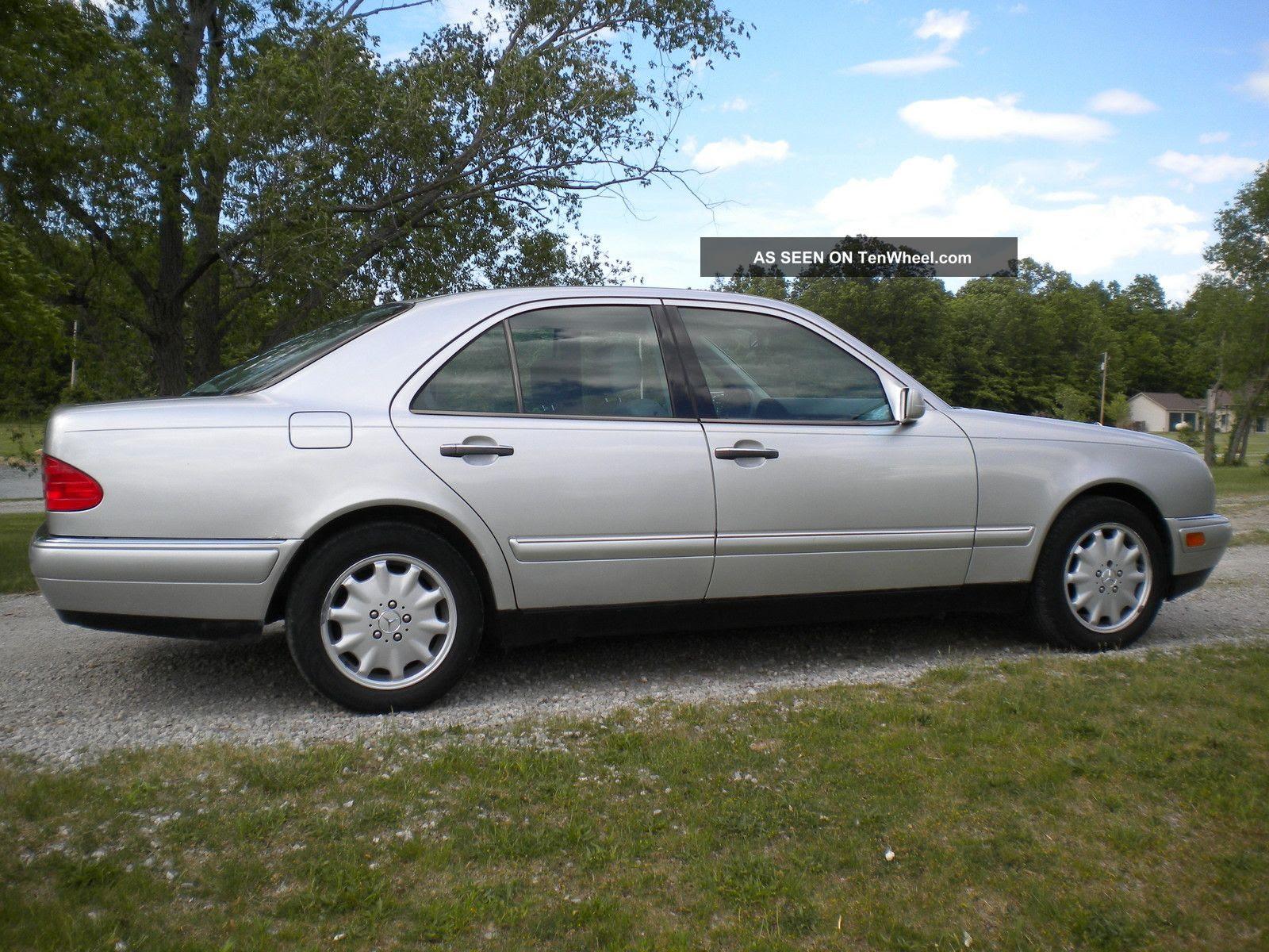1999 Mercedes - Benz E320 Base Sedan 4 - Door 3. 2l