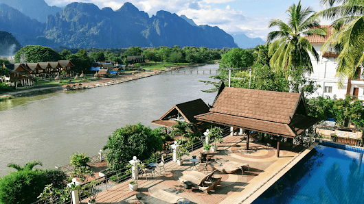 Luxury accommodation in Vang Vieng - Couple Travel The World