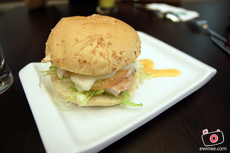 WONG-KOK-CHAR-CHAN-TENG-SUNWAY-GIZA-pork-macau-burger