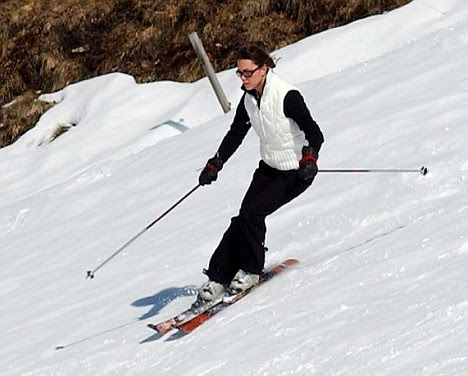 prince william kate middleton skiing. Keen skier: Kate Middleton at