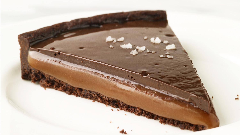 mb_1010_chocolate_caramel_tart_horiz