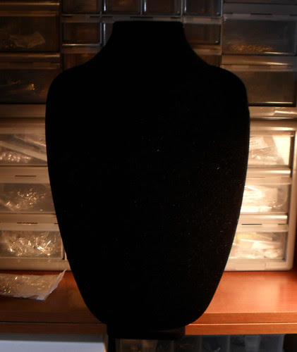 large_necklace_stand