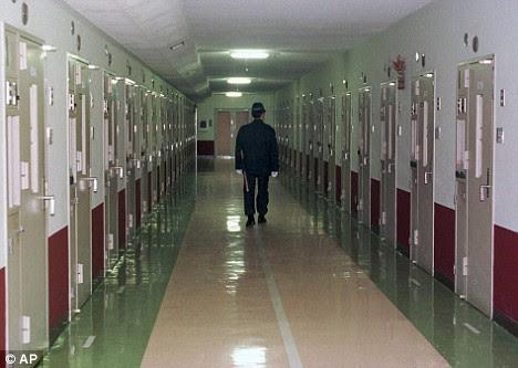 Americano inocentado aps passar 25 anos no corredor da morte