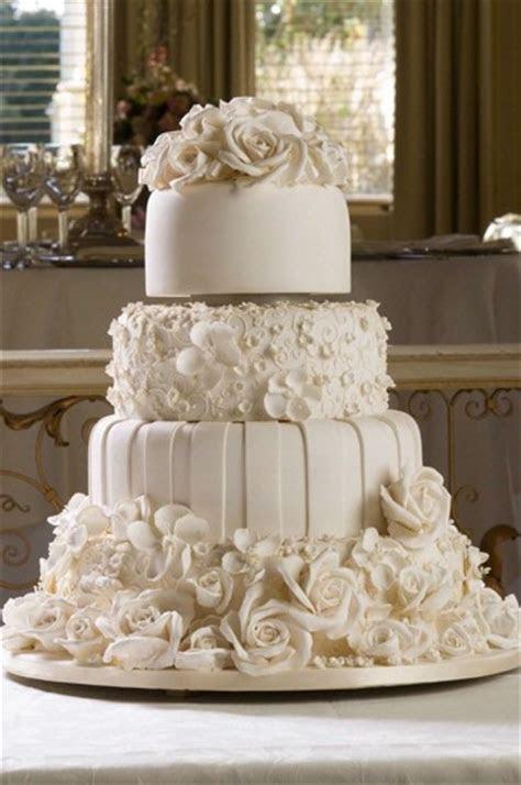 Classic wedding cake   Maunsel House blog