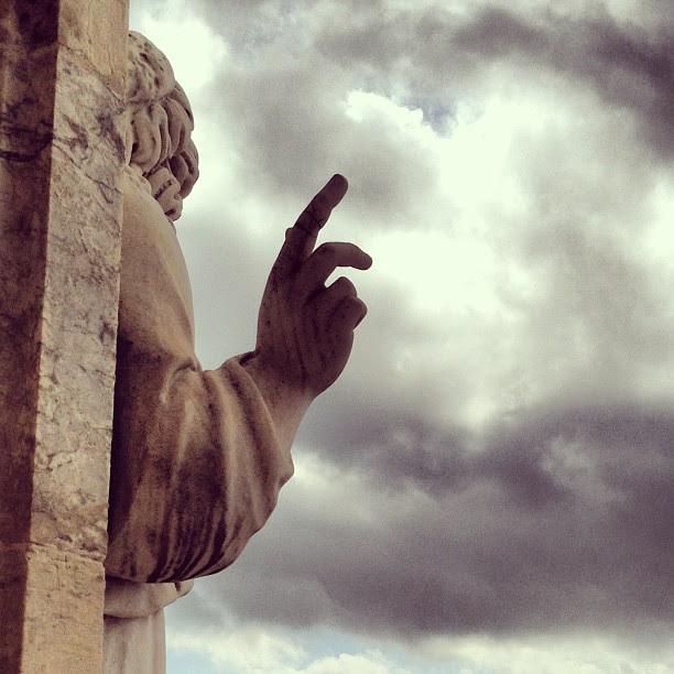 """""""Tocar o céu com um dedo!!..."""