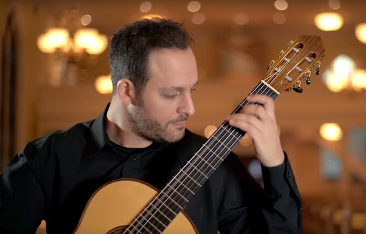 Tariq Harb Plays Fugue BWV 1001 by Bach  | this is classical guitar