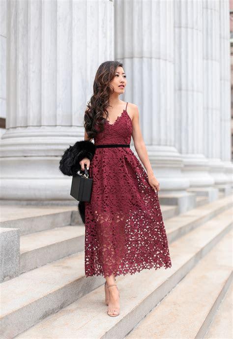 burgundy maxi holiday lace dress faux fur scarf mom