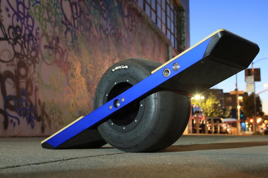 The Onewheel: A SelfBalancing Electric Monowheel Skateboard  Core77