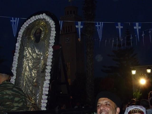 Κόρινθος: Πλήθος πιστών στην Λιτανεία της εικόνας του Πολιούχου της Κορίνθου Αποστόλου Παύλου (video-φωτο)