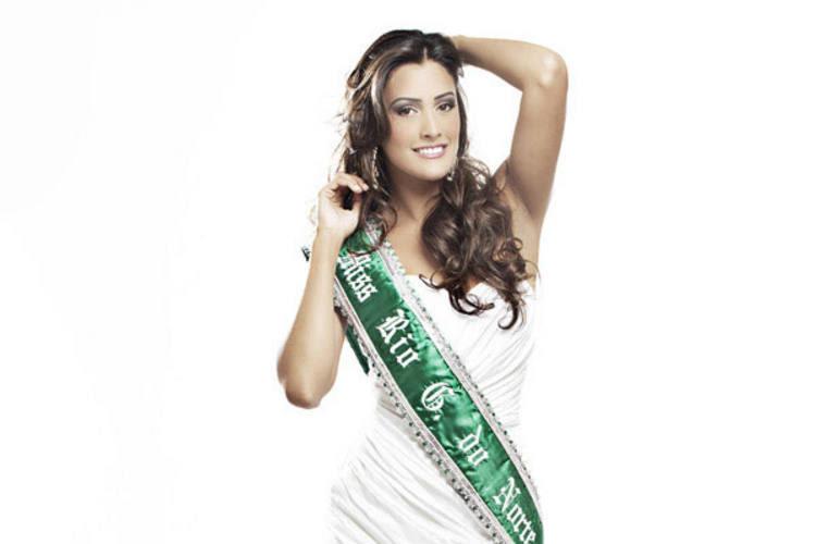 Joyce Christiny Oliveira, eleita Miss RN para no ano de 2010, vai entregar o título a vencedora do concurso no dia 26/03