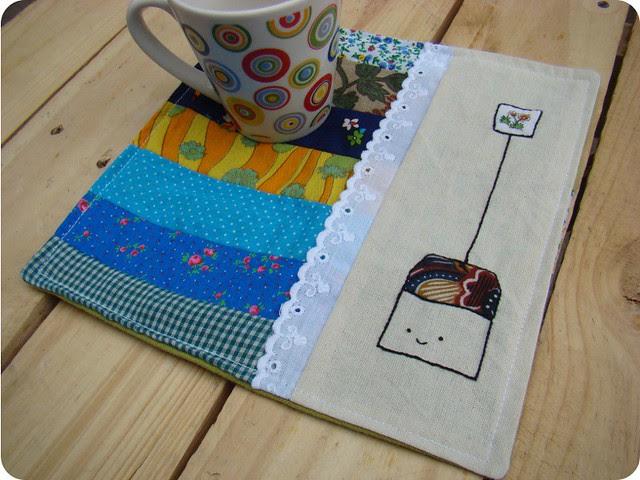 The cutest mug rug