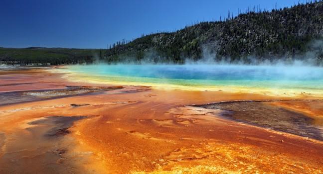 Yellowstone National Park Travel Guide - Expert Picks for ...