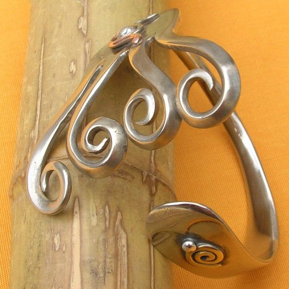 lamento - upcycled fork bracelet (jewelry, bracelet, recycled, fork, metal, silver)