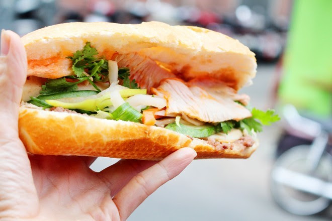 9 xe bánh mì trứ danh của Sài Gòn 6
