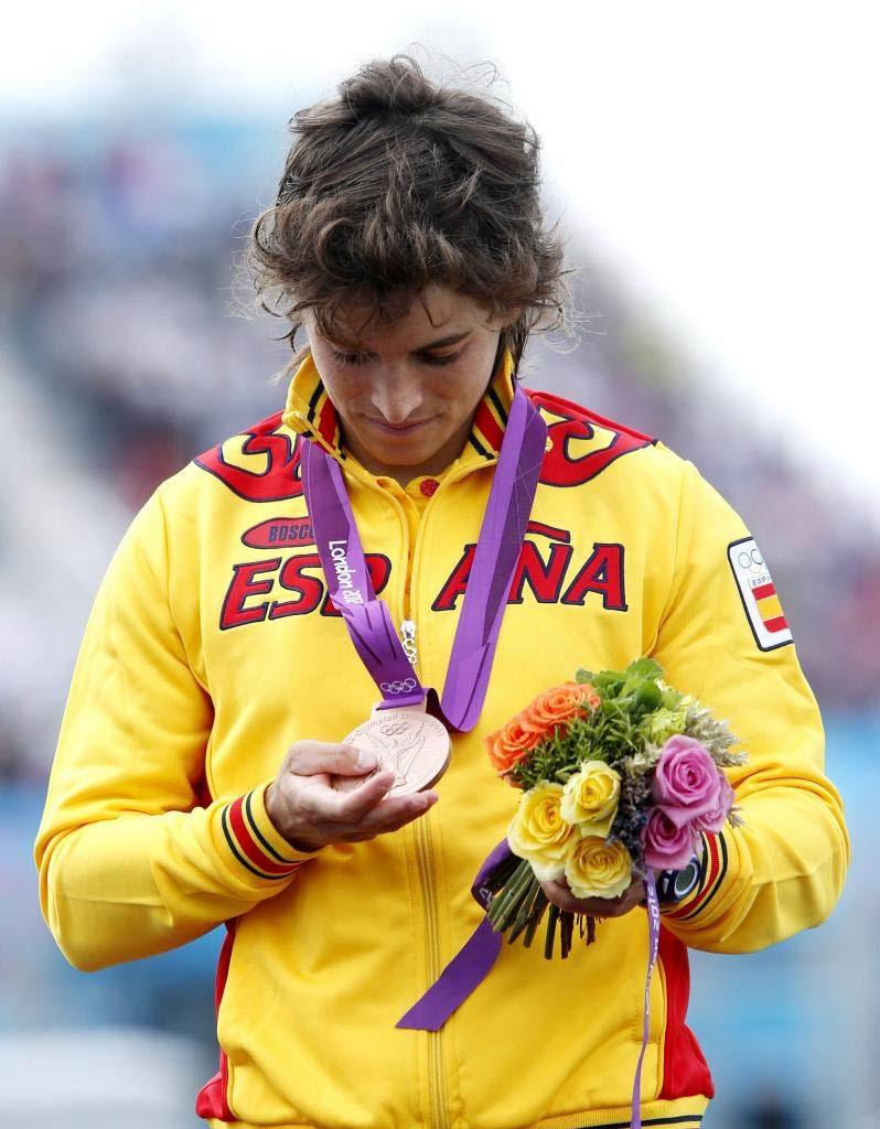 La española estaba en el podio, pero parecía que estaba en una nube. No lo olvidará.