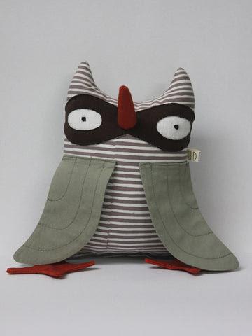 Bandit Owl - 'Izzy'