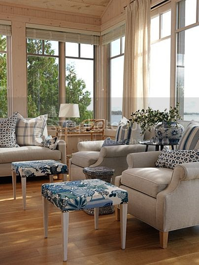 sarahs-cottage-living-room2-image1