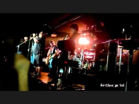 Benito Kamelas presentando Buena Energía en la Sala Live de Madrid