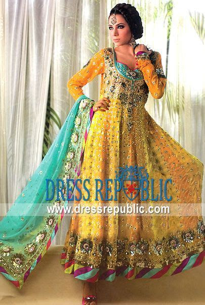 25  best ideas about Pakistani mehndi dress on Pinterest