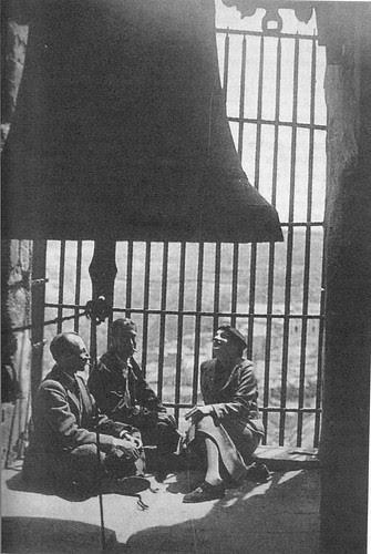 Luis Buñuel, Hernando Viñes y su mujer Lulú Jourdan en el campanario de la torre de la Catedral de Toledo el 10 de mayo de 1936