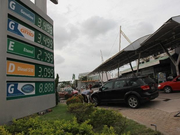 Postos de gasolina de todo Maranhão aumentam o preço do combustível (Foto: Biné Morais/O Estado)