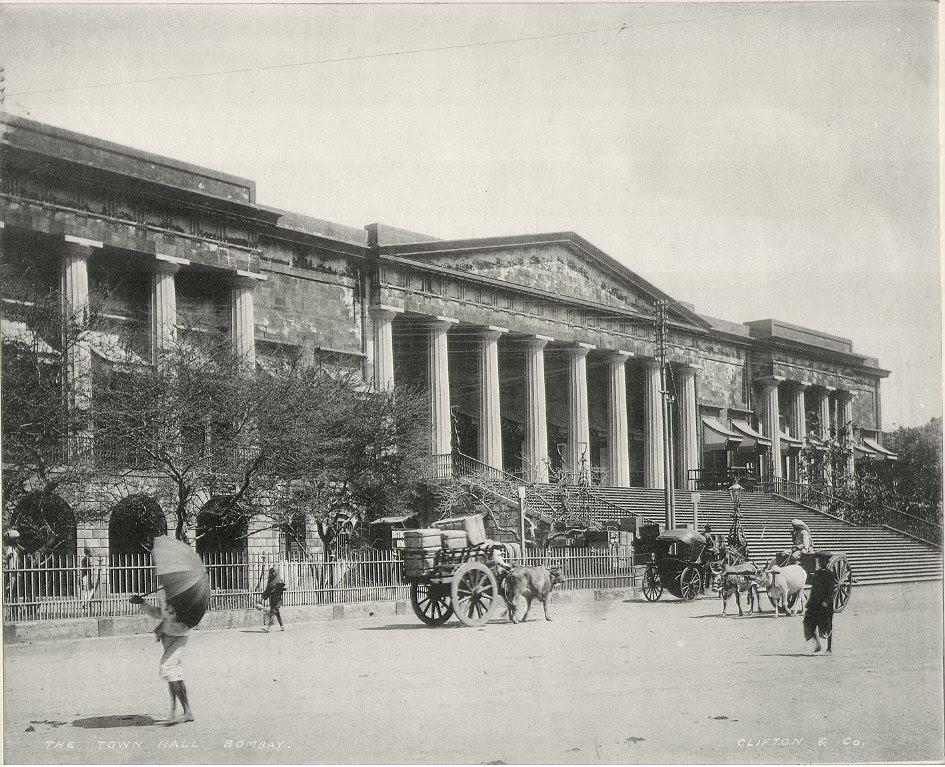 http://www.columbia.edu/itc/mealac/pritchett/00routesdata/1500_1599/bombay/buildings/townhall1900.jpg