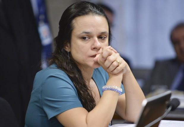 Janaina Paschoal, uma das autoras do pedido de impeachment da presidente Dilma Rousseff, em sessão da comissão especial do Senado (Foto: Jefferson Rudy/Agência Senado)