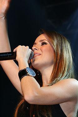 Sandy in Concert 10.jpg