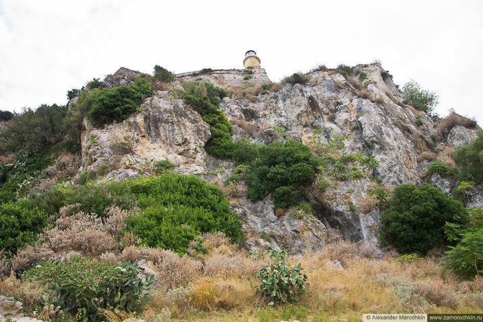 Старая Крепость (Керкира), отвесная скала