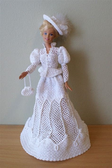 Crochet Barbie dress by Annie's Granny Design, design by