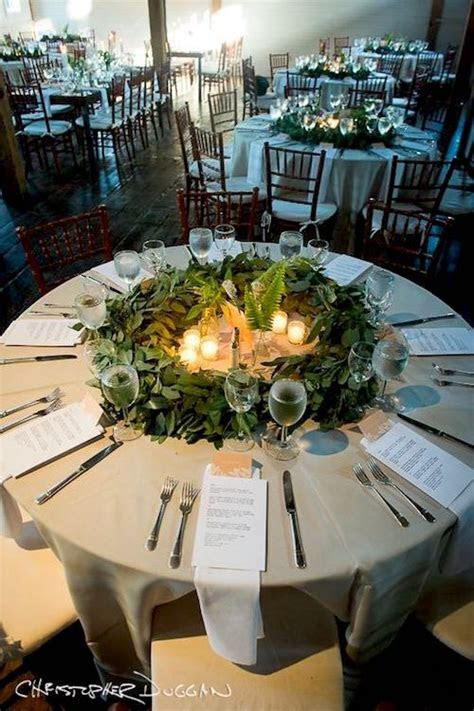 31 Table Runner Ideas for Wedding Receptions: #7 Will