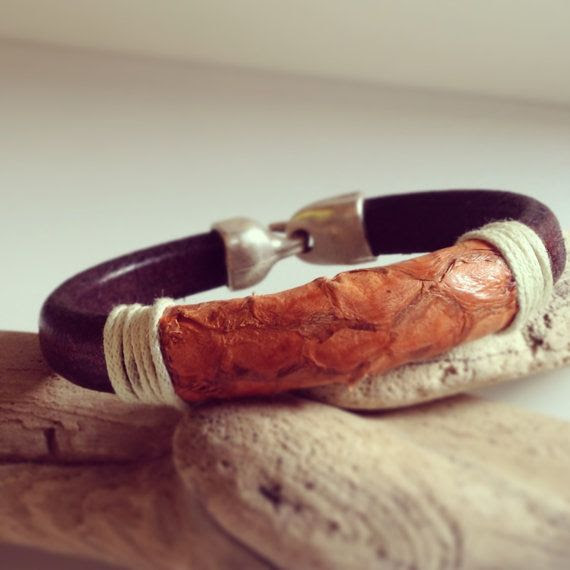 Brown licorice leather and orange salmon skin bracelet by A4Platas, €30.00