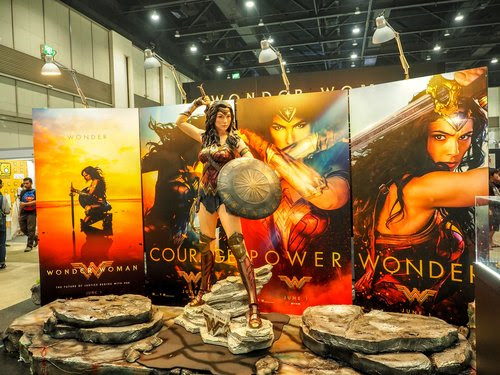 Law prof files bias complaint over theater's women-only screenings of 'Wonder Woman'