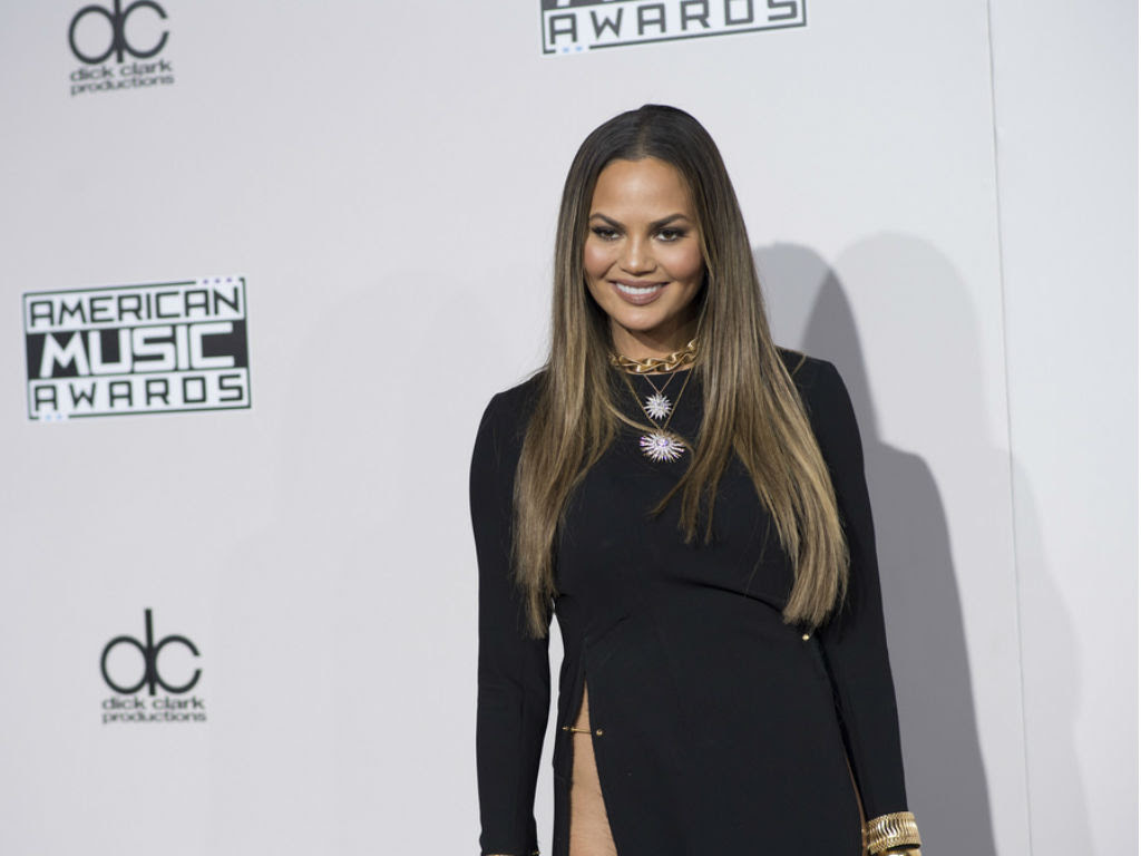 chrissy-teigen-asks-fans-for-help-with-new-recipe-website-tell-me-what-i-should-make