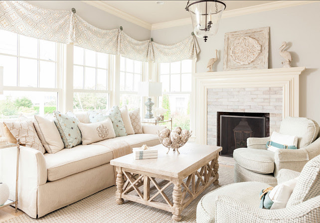 Coastal Home with Neutral Interiors - Home Bunch Interior ...