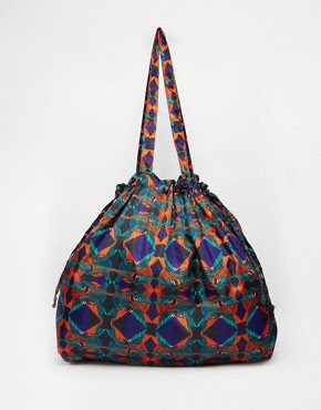 Bolso shopper extragrande con cordón ajustable de Monki