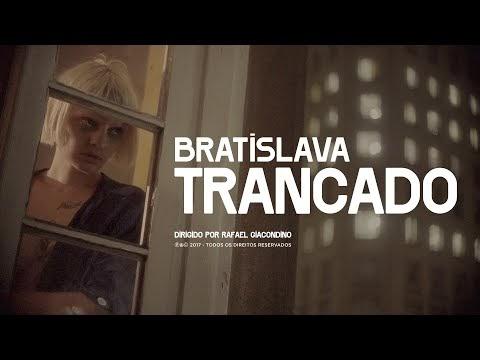 """Bratislava lança videoclipe de """"Trancado"""", gravado em Paranapiacaba"""