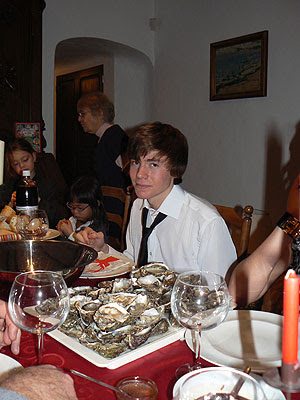 clem et les huîtres.jpg