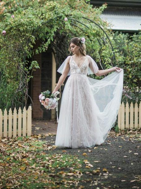 Bohemian Tulle Wedding Dress   simple bridal gown