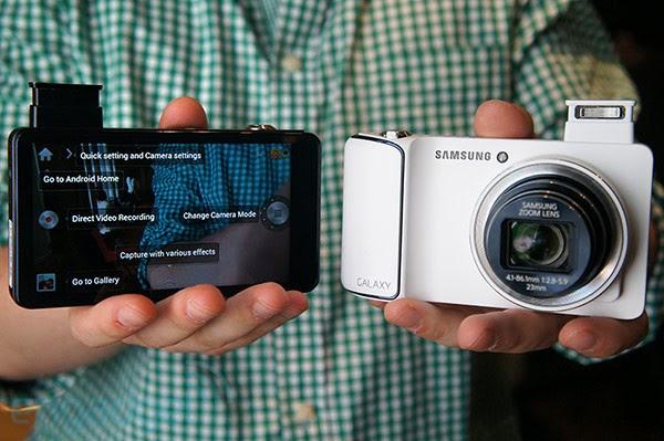 Samsung Galaxy Camera: James Franco diventa fotografo per lo spot