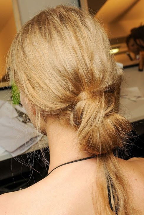 Simple  and Easy  Hair  Updos  for Long  Hair  PoPular Haircuts