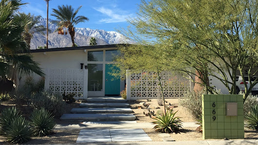 Restoring a neglected tract home to Midcentury glory in Palm Springs
