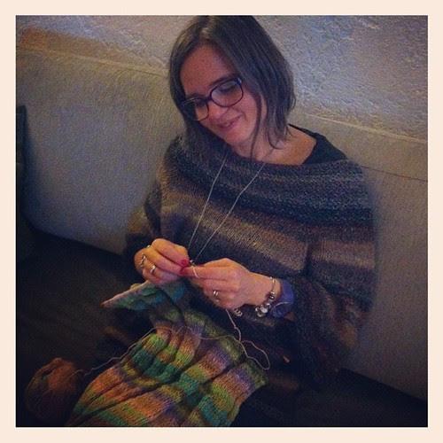 Knitting:) Lavorando a maglia:)