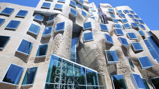 Frank Gehry's UTS Dr Chau Chak Wing Building opened: 'The most beautiful squashed brown paper bag ever seen'