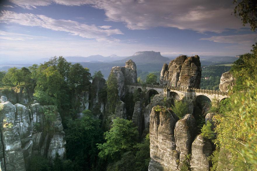 vecchi-antichi-ponti-misteriosi-nel-mondo-08