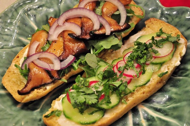 H User Abo Pr Mie what the hell does a vegan eat anyway chanterelle banh mi