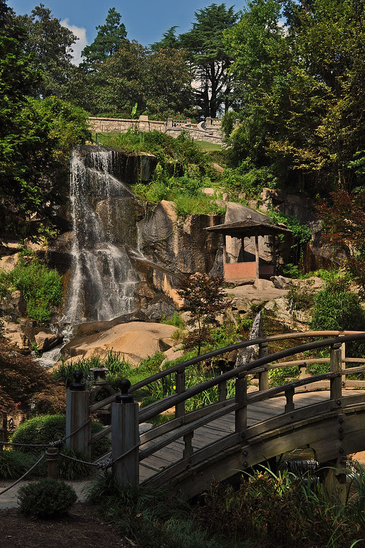 Waterfall Japanese Garden (3)