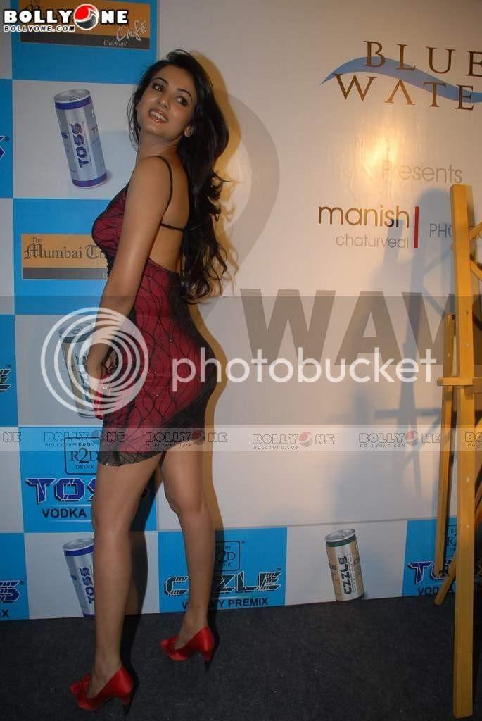 Hot Bollywood Babes Sonal Chauhan Sexy Hot Ass Never Seen -6882