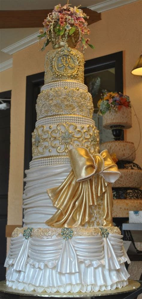 25  best ideas about Royal wedding cakes on Pinterest