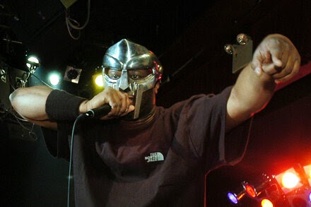 TREND ESSENCE:MF Doom, Masked Rapper With Intricate Rhymes, Is Dead at 49